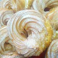Пирожное кольцо заварное Фото