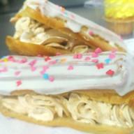 Пирожное эклер Фото