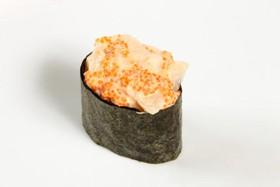 Суши спайси с морским гребешком и икрой - Фото