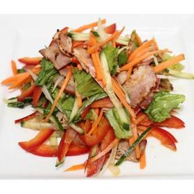 Салат дрессинг с беконом и овощами - Фото