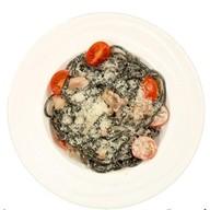 Спагетти allnero с морепродуктами Фото