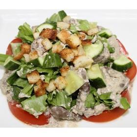 Теплый салат с куриной печенью - Фото