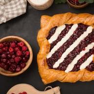 Пирог творожно-брусничный Фото