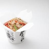 Рисовая лапша с цыпленком Фото