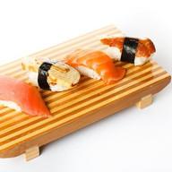 Суши с копченым угрем Фото
