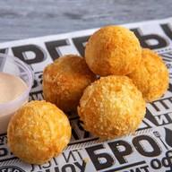 Сырные шарики с кукурузой Фото