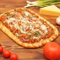 Домашняя пицца с фаршем Фото