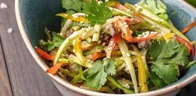 Салат с говядиной в азиатском стиле - Фото