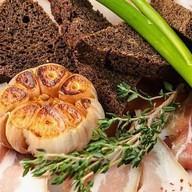 Сало с бородинским хлебом Фото