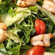 Салат с рукколой и креветками Фото