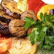 Сезонные овощи на углях Фото
