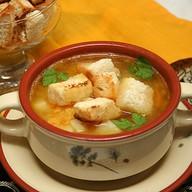 Сырный суп с чесночными гренками Фото