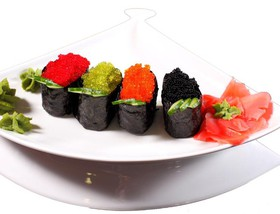Гункан с икрой тобико - Фото