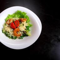 Салат с тигровыми креветками Фото