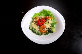 Салат с тигровыми креветками - Фото