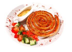 Колбаски немецкие с соусом - Фото