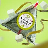Онигири с водорослями и сыром сиртаки Фото