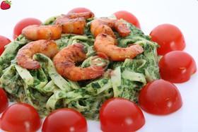 Креветки гриль в шпинатном соусе - Фото
