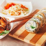 Лапша + ролл темпура + салат Фото