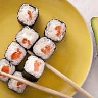 Ролл сливочный с лососем Фото