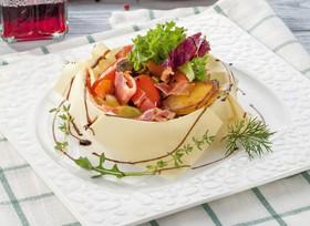 Теплый салат с беконом - Фото