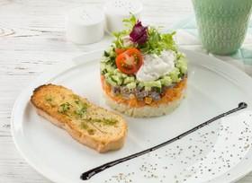 С томленой говядиной и овощами - Фото