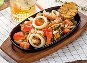 Сковорода с морепродуктами - Фото