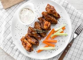 Куриные крылышки в соусе барбекю - Фото