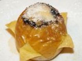 Яблоко запеченное с карамелью - Фото