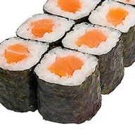 Маки с лососем Фото