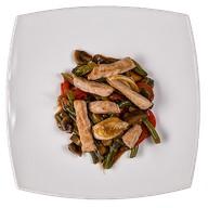 Гарнир Свинина с овощами Фото