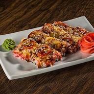 Суши-пицца с креветкой и кальмаро Фото