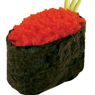Классические суши тобико красная Фото