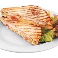 Сендвич с курицей и сыром Фото