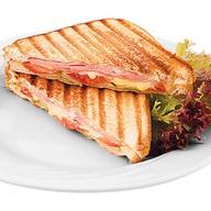 Сендвич с ветчиной и сыром Фото