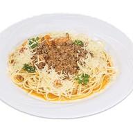 Спагетти с соусом болоньез Фото