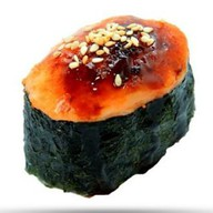 Запеченые суши с копченым лососем Фото