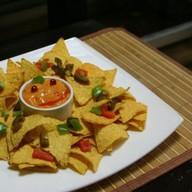 Начос с сырным соусом Фото