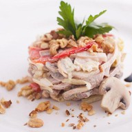 Три вида мяса салат Фото