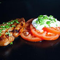 Куриная отбивная с соусом тар-тар Фото