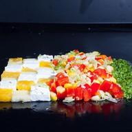 Итальянский салат с кукурузой и фруктами Фото