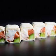 Тортилья сливочный лосось Фото