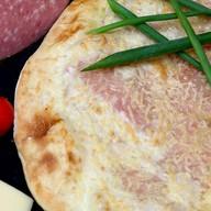 Calzone con salame (КальцОне кон салЯми) Фото