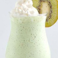 Молочный коктейль со вкусом киви Фото