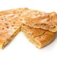 Пирог с капустой и копченой курицей Фото