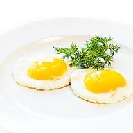 Глазунья из двух яиц (ланч) Фото