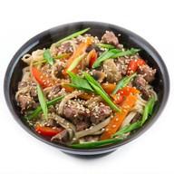 Лапша или рис с говядиной и фасолью Фото