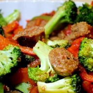 Печень куриная с овощами Фото