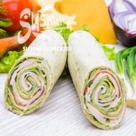 Сендвич-ролл с курицей Фото
