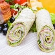 Сендвич-ролл с беконом Фото